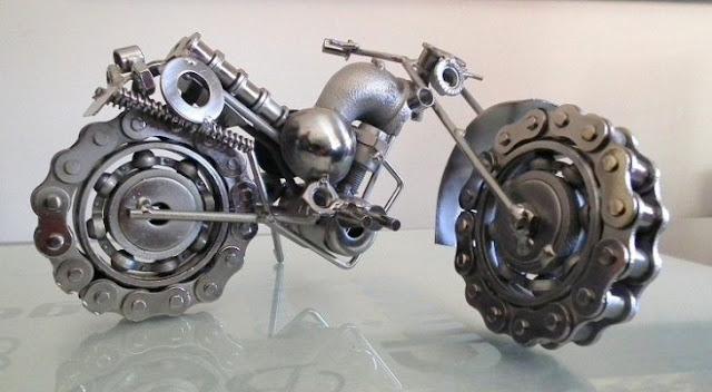 Arte con cadenas recicladas, llevadas a otro nivel