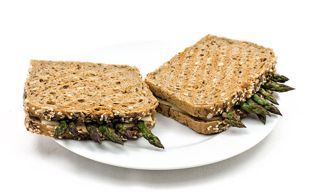 Hot asparagus sandwich grilled vegan