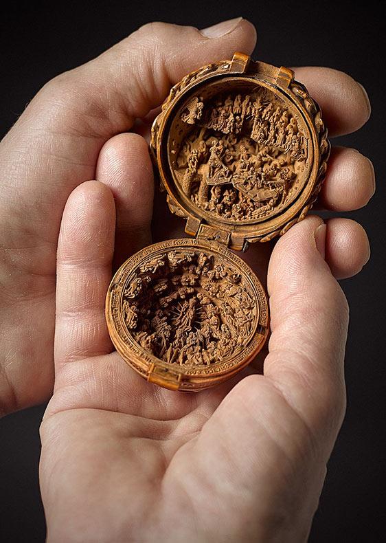 Increíblemente raras tallas de madera del siglo 16 son tan diminutas que rayos X se usaron para revelar sus misterios