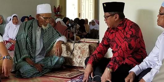 Ulama Kharismatik Aceh Abuya Tu Min: Saya Cinta Jokowi