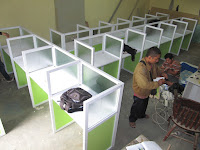 cubicle workstation, meja kerja