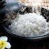 """Mỗi hạt gạo đều là """"phúc căn"""", là gốc của phúc khí. Bởi vậy nếu mang đổ cơm không ăn hết đi cũng chính là tự mang phúc của mình hất đổ đi"""