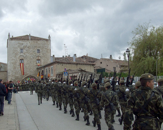 imagen_burgos_curpillos_huelgas_fiesta_desfile_tropas