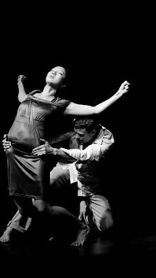 Dúo de bailarines KheN
