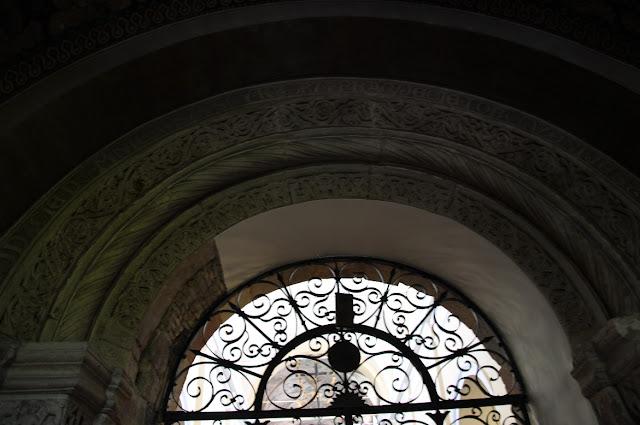 Romański kościół w Czerwińsku nad Wisłą - portal