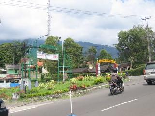 Kompleks Coolibah Villa adalah kompleks villa yang terletak di wilayah Ciloto Puncak Jawa Barat