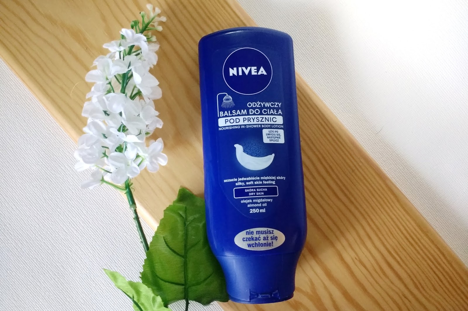 Nivea | Odżywczy balsam do ciała pod prysznic z olejkiem migdałowym dla skóry suchej