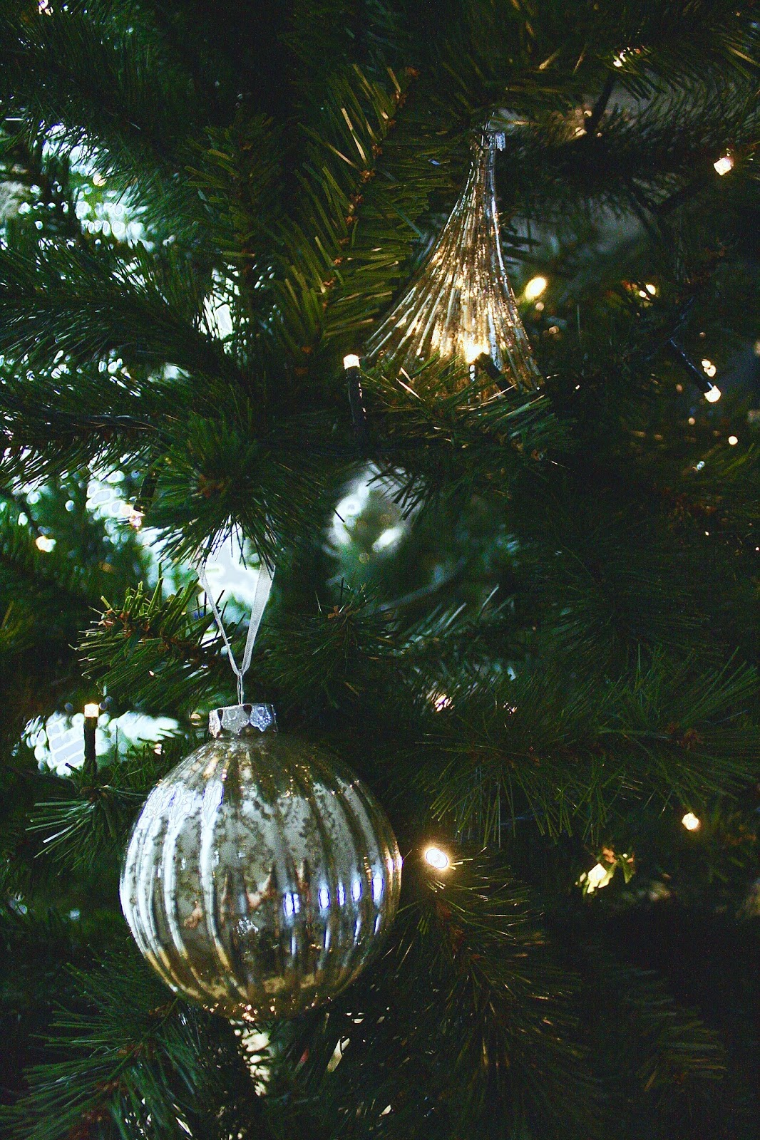 Gold And Silver Christmas Decoration Ideas