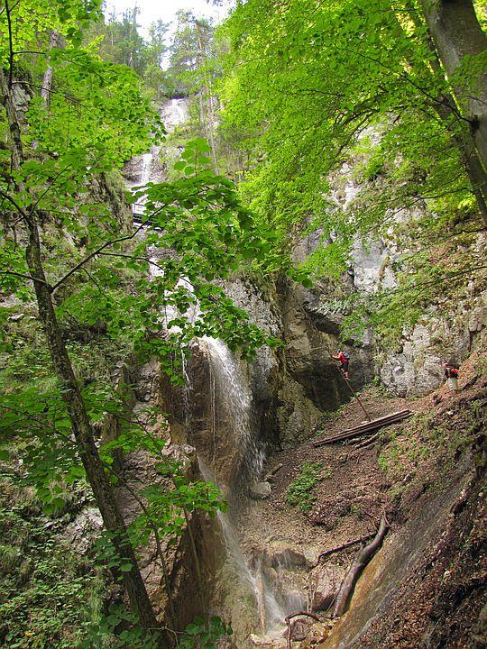 Wodospad Welonowy (słow. Závojový vodopád).