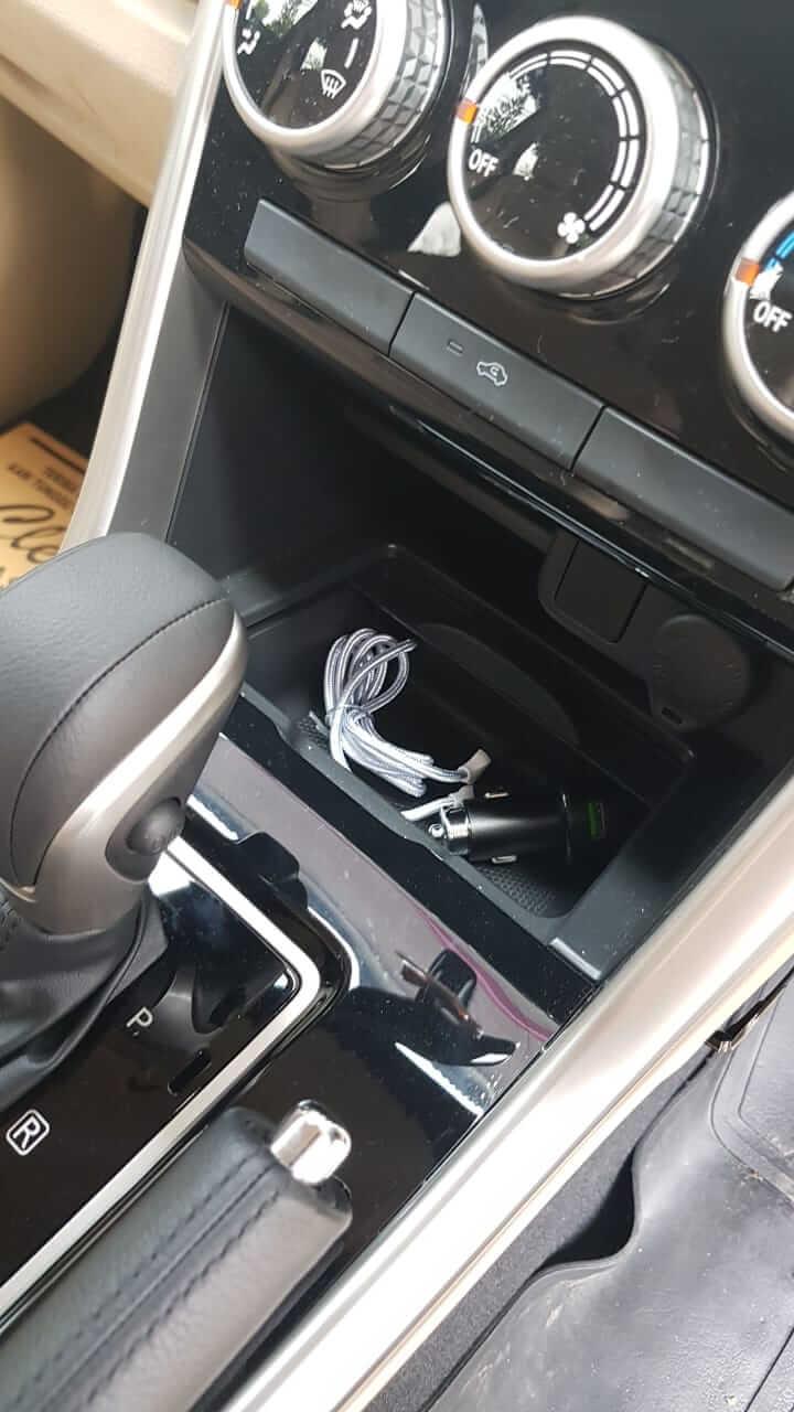 loker di bawah tape mobil Xpander