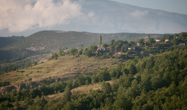 Din sud spre Berat, Albania
