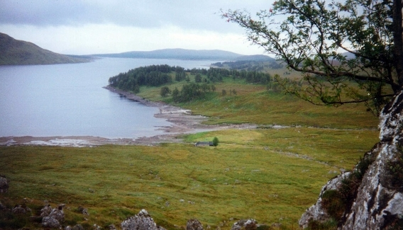 panoramic view of the cottage and the loch