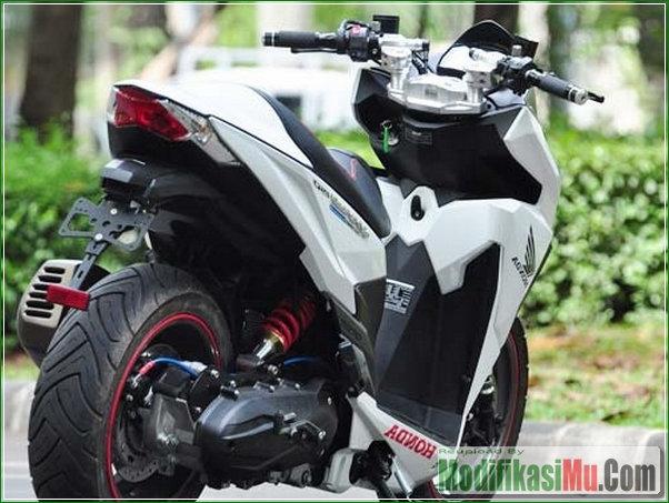 Tapak Ban Lebar Velg Besar - Modifikasi Honda Vario 150 eSP Gaya Sport Matic Ala Moge