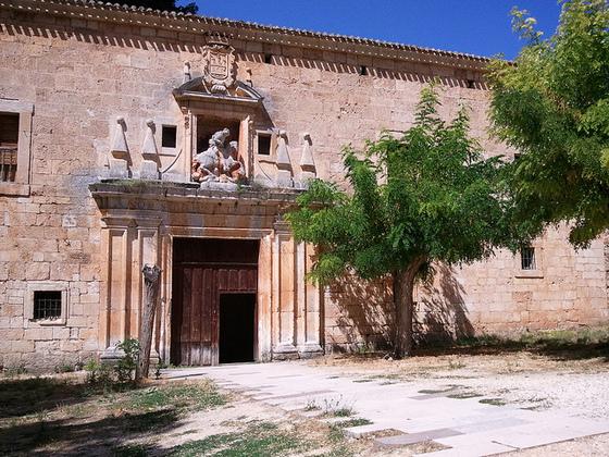 imagen_pedro_arlanza_burgos_monasterio_ruinas_romanico_entrada