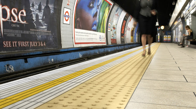 london tube facility tactile for diability