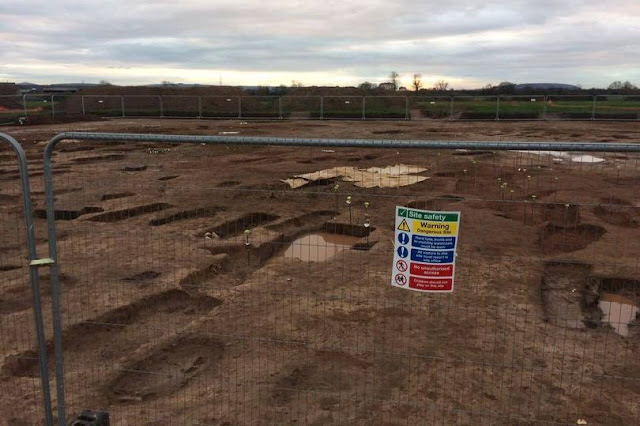 Roman burial site with 300 graves discovered on land earmarked for homes near Bristol