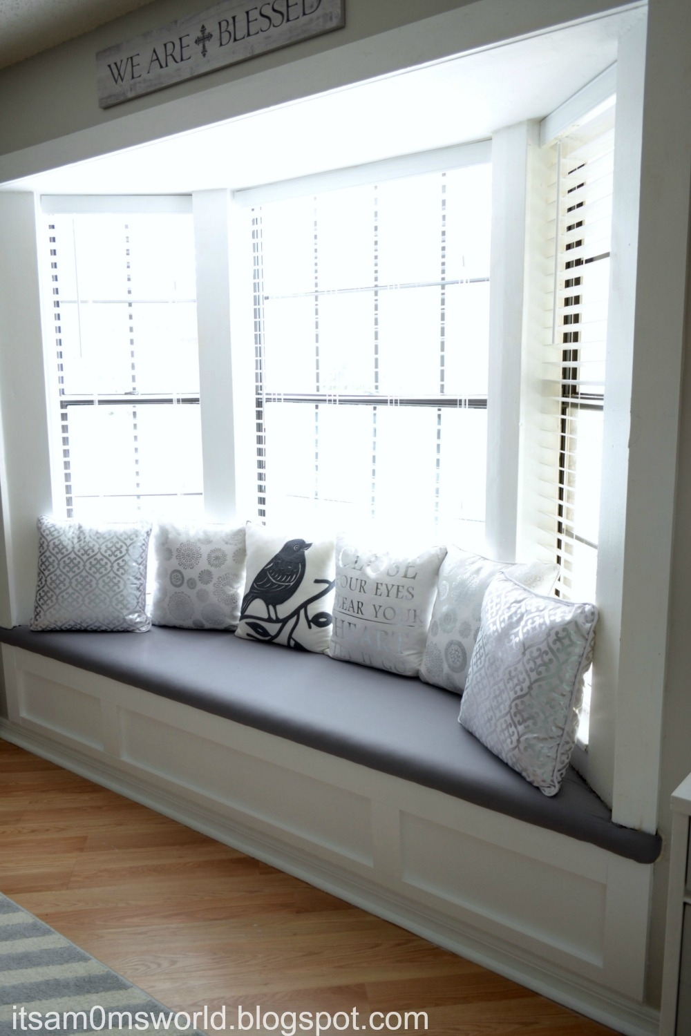 It 39 s a mom 39 s world diy dress up a window seat for under 30 - Ways of accessorizing love seats ...