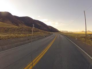 Contornando montanhas em direção Cusco / Peru.