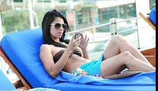 Roselyn Sanchez piscina