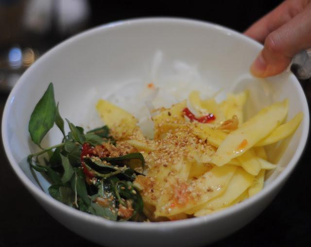 Vietnamesisk mangosalat af julie karla