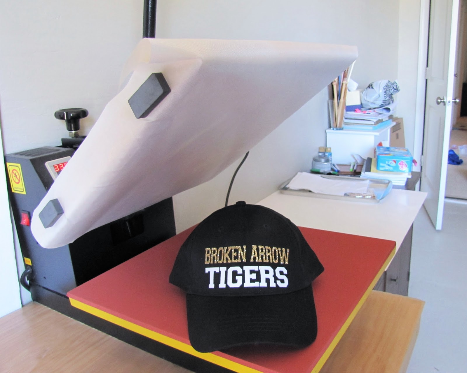 How to Heat Press a Hat  No Special Attachment Needed (Silhouette ... 464b4310dd67