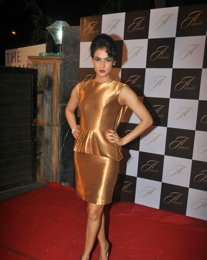 Sonal Chauhan, Sonal, Shama & Preeti at Launch of 'Aaurelle' Jewellery