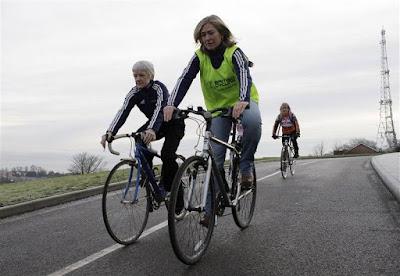 Những xe đạp tập thể dục cho người già tốt nhất hiện nay