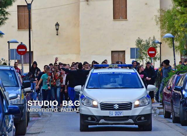 Πορεία μαθητών στο Άργος για την μη μεταφορά τους από το ΚΤΕΛ - Χειβιδόπουλος: Ανοιχτό το ενδεχόμενο επίταξης