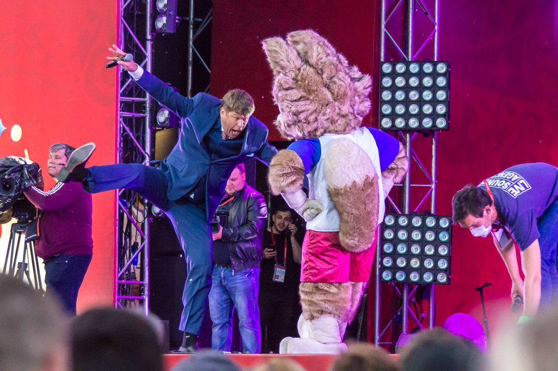 Дмитрий Губерниев танцует с Забивакой