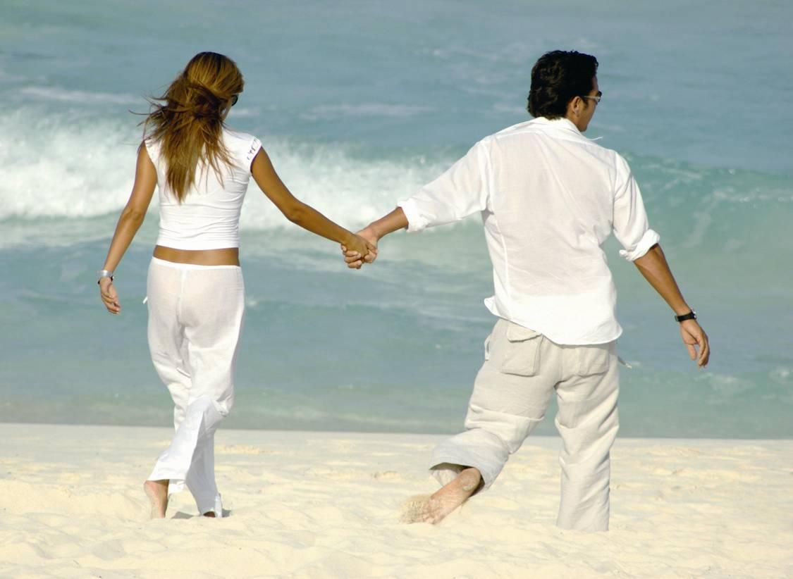 parejas felices1 - Vivir el presente: CARPE DIEM