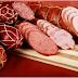 Cum este preparat salamul. Iată ce ingrediente periculoase poate conţine!