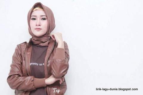Endah Pamora Hijab