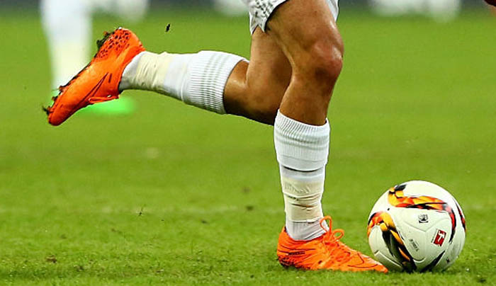 0bd387ab725f Isco cut off almost the entire collar of the orange Nike Hypervenom Phantom  Lightning Strom Pack Football Boots. Therefore