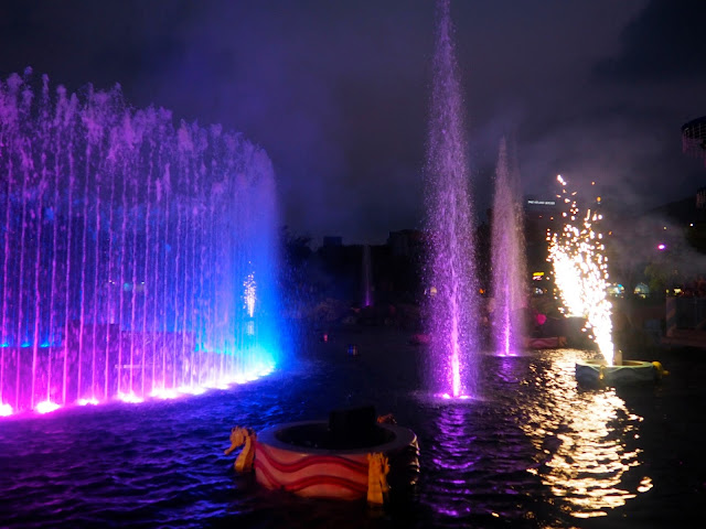 Fountains and fireworks in Symbio show, Ocean Park