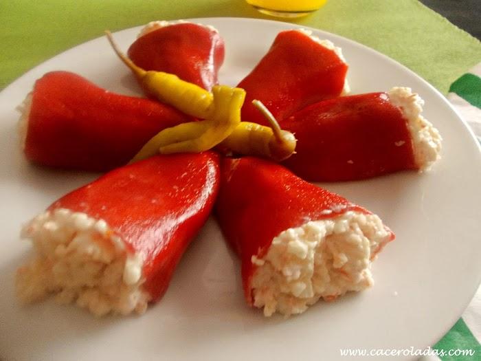 Pimientos del piquillo rellenos con crema de surimi