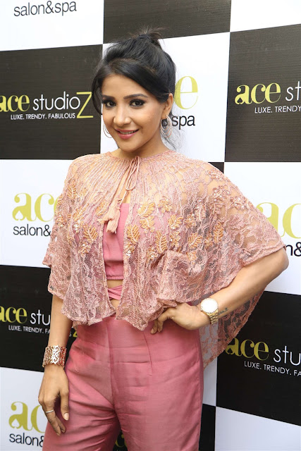 Sakshi Agarwal Inaugurates Ace Studioz Salon & Spa  0002.jpg