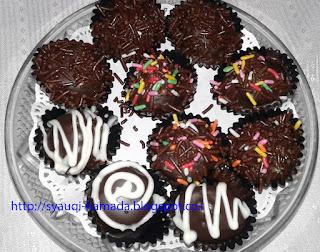 Cara Membuat Bola Bola Coklat dari Biskuit Marie