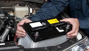 فحص بطاريه السياره وفحص مخحرك السياره وتحديد الاعطال