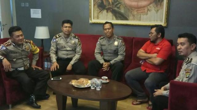 Aiptu Sunaryanto Shalawat Tiga Kali Sebelum Menembak Penyandera