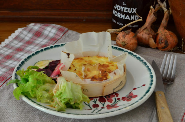 Quiches sans pâte aux oignons et au camembert