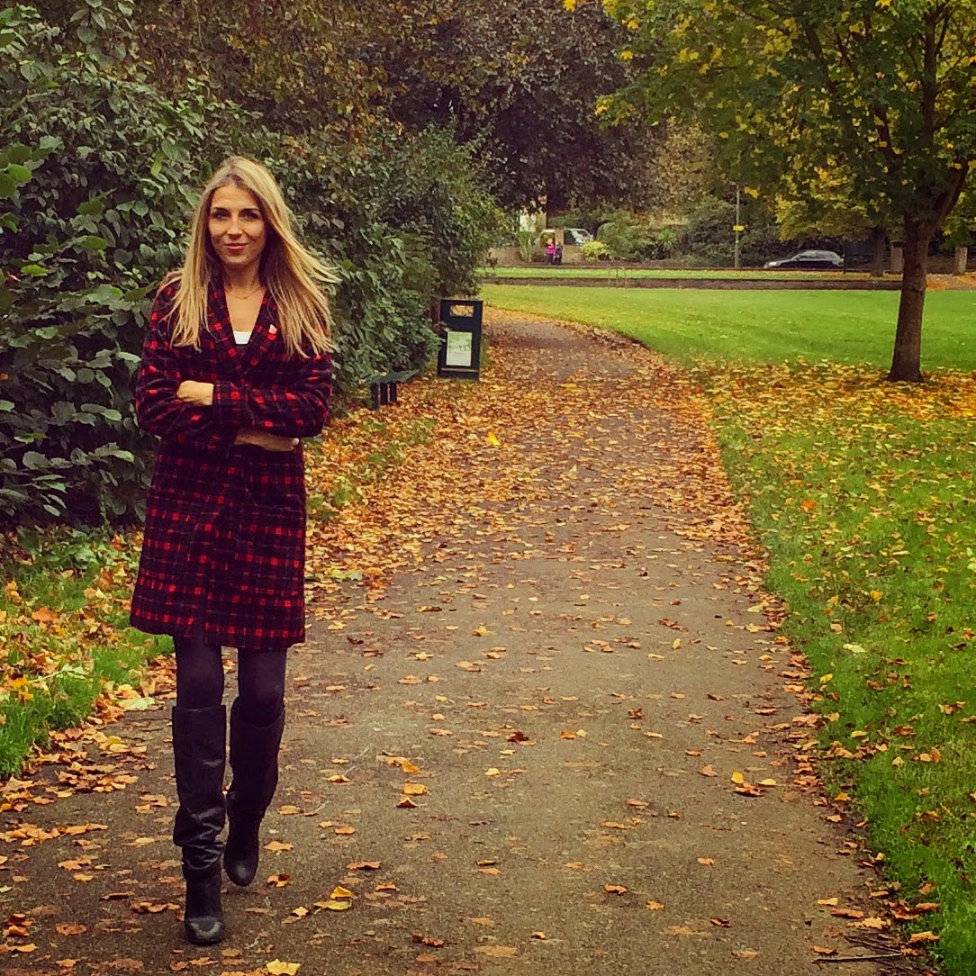 naanaa-clothing-victoria-red-checked-boyfriend-coat