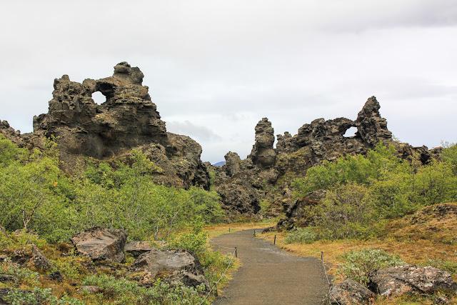 Formaciones curiosas en Dimmuborgir