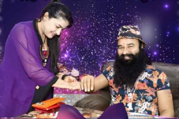 honeypreet-insan-was-baba-ram-rahim-daughter-sister-and-lover