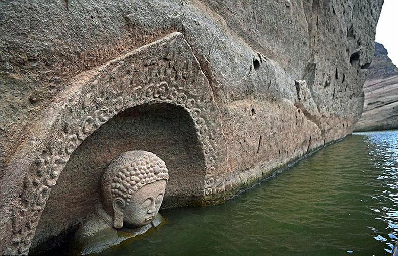 Buda de 600 años en antigüedad emerge del lago en China