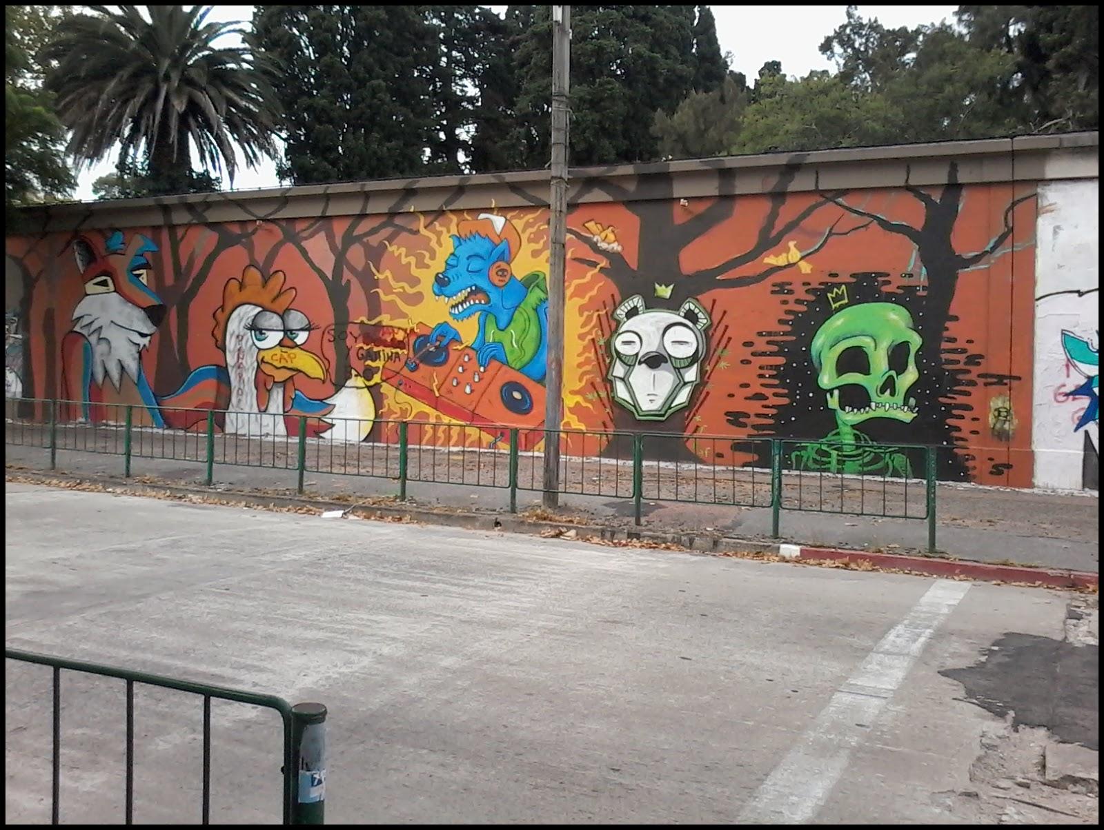 Arte Callejero. Cementerio del Buceo. Montevideo. Uruguay.