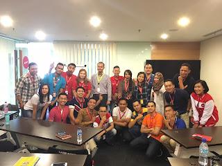 Dimas ketika memimpin Disability Equality Training (DET) bersama Beat di Air Asia