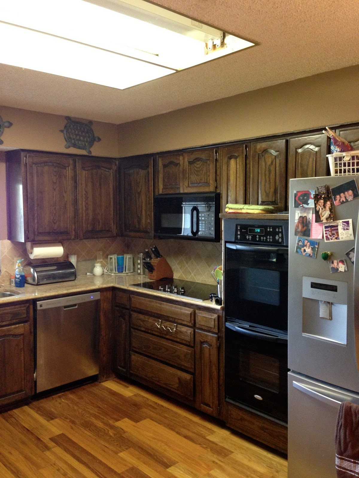 Can Kitchen Cabinets Be Refinished Wilker Do 39s Using Chalk Paint To Refinish Kitchen Cabinets