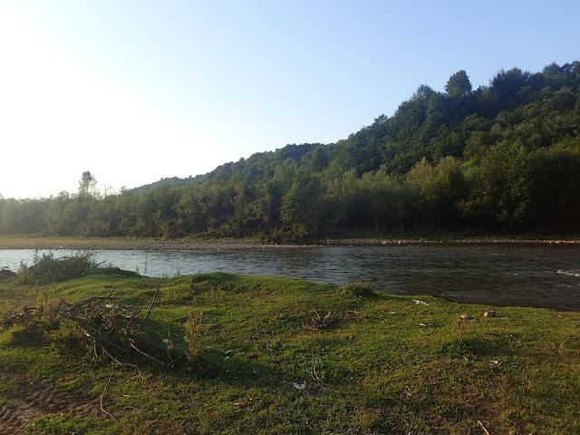 Biwakujemy nad karpacką rzeką