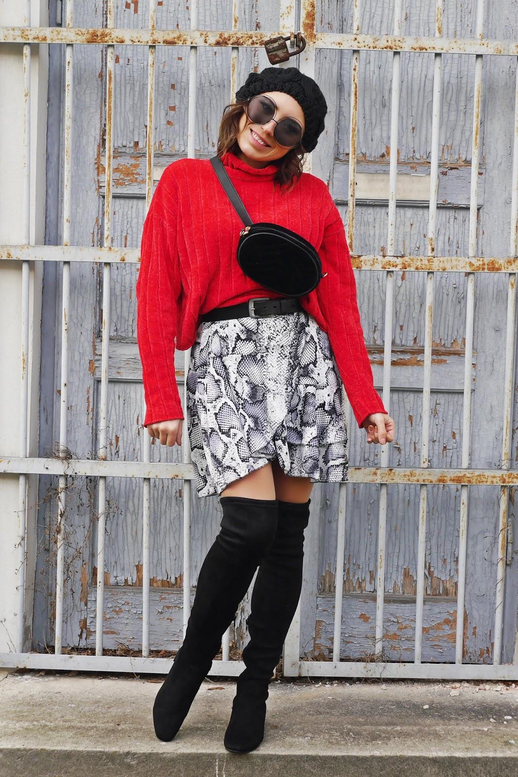 sukienka w wężowy wzór renee czerwony golf czarne kozaki za kolano renee karyn blog modowy blogerka modowa modowe stylizacje damski blog