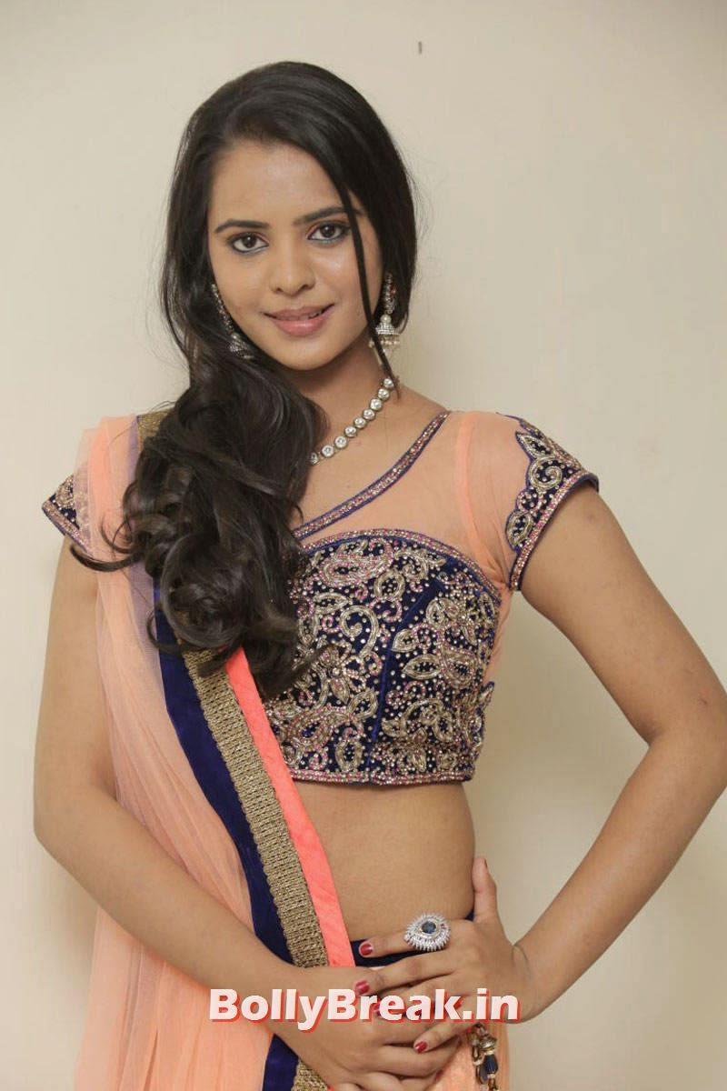 Manasa Latest Photo Gallery, Actress Manasa hot Photos in Backless Choli & Lehenga